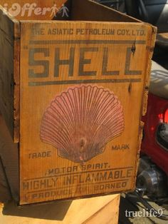 Best Picture For shipping crates vintage For Your Taste You are looking for something, and it is goi Wooden Crate Boxes, Vintage Wooden Crates, Old Crates, Old Gas Pumps, Vintage Gas Pumps, Old Boxes, Antique Boxes, Vintage Oil Cans, Vintage Items