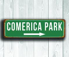 Comercia Park Sign