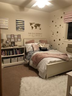 45 cute and girly bedroom decorating tips for girl 14 45 cute and girly bedroom decorating tips for girl 14 Diana Laschewski Save Images Diana Laschew… – Preteen Cute Bedroom Ideas, Cute Room Decor, Girl Bedroom Designs, Teen Room Decor, Bedroom Ideas For Small Rooms For Teens For Girls, Small Room Bedroom, Room Decor Bedroom, Girls Bedroom, Preteen Girls Rooms