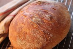 No-knead-leipäohje suomeksi Bread Recipes, Cooking Recipes, Savory Pastry, No Knead Bread, Piece Of Bread, I Want To Eat, Bread Baking, Sandwiches, Brunch