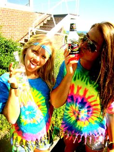 @Larissa Van Wyk @Megan can we have a tiedye/hippy party this summer? puuuhlease?!