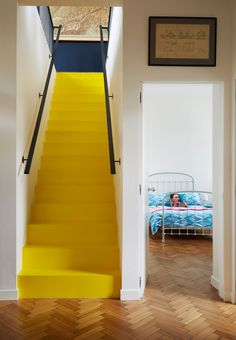 Yellow room ideas: 22 bright ways to make your rooms summery Yellow Hallway, Yellow Stairs, Yellow Walls, Bright Hallway, White Walls, Stairs Colours, Hallway Colours, Kindergarten Party, Yellow Home Decor