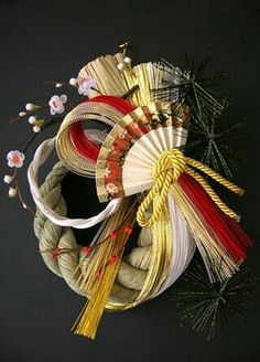 Japanese Party, Japanese New Year, Straw Decorations, New Years Decorations, Ikebana Arrangements, Floral Arrangements, Japanese Ornaments, Happy New Year Photo, New Years Traditions