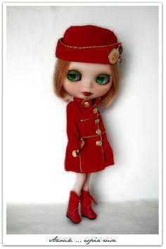 Anouk espía rusa.... de uniforme