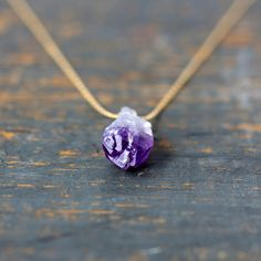 Raw Amethyst Necklace, February Birthstone Necklace, Raw Crystal Pendant Necklace, Gold Filled o Crystal Jewelry, Gemstone Jewelry, Jewelry Necklaces, Silver Jewelry, Cameo Jewelry, Silver Pendants, Dainty Jewelry, Turquoise Jewelry, Wire Jewelry