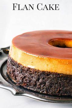 Chocolate Cake on the bottom, and Caramel Flan on top caramel cake bundtcake chocolatecake pudim pudimcake flan caramelflan Mexican Food Recipes, Sweet Recipes, Cake Recipes, Dessert Recipes, Pudding Desserts, Food Cakes, Cupcake Cakes, Cupcakes, Flan Au Caramel