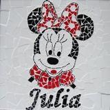 Quadrinho infantil Minnie, basei em madeira MDF e mosaico feito com azulejos. by Atelier Márcia Regina.