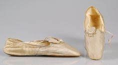 Evening slippers Maker: P. Rouillier Date: 1845–65 Culture: French Medium: Silk