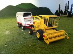 Chevy Diesel Trucks, Cattle Farming, Toy Display, Farm Toys, Mini Farm, Hobby Farms, Vintage Models, Farm Life, Scale Models