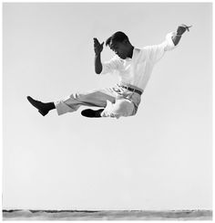 Sammy Davis Jr. side kick.  Photo by Phil Stern, 1950s.  one of my favorites of all time