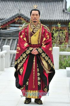 The Great King's Dream (대왕의 꿈) Korean - Drama - Picture @ HanCinema :: The Korean Movie and Drama Database Korean Hanbok, Korean Dress, Korean Outfits, Korean Traditional, Traditional Dresses, King Costume, Armor Clothing, Korean People, Great King