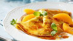 Jesteś ciekaw, jak francuskie naleśniki - crepes Suzette z pomarańczami -przyrządziłby Paweł Małecki? Poznaj jego przepis na Kuchni Lidla!