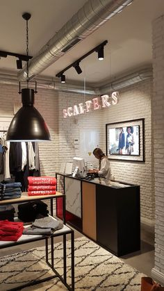 Clothing Boutique Interior, Boutique Interior Design, Boutique Decor, Clothing Store Displays, Clothing Store Design, Spa Room Decor, Retail Store Design, Store Interiors, Commercial Design