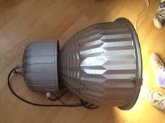 Starší výbojková průmyslová svítidla včetně výbojky 400 W od firmy DL-system