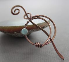 Penannular shawl pin or scarf pin in crescent moon - Luna shape with blue aquamarine stone - Aquamarine pin