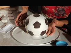 Cakes by Toni. The soccer ball. Gambero Rosso Channel. Part 2 / 2