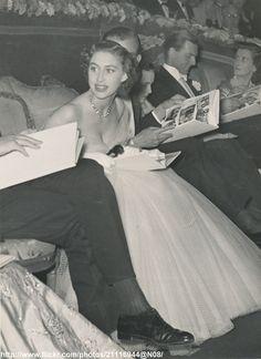 """DATE:September 1952 D:Princess Margaret in low-decolletage gown at film premiere of """"Limelight"""" /original photo Princesa Margaret, King Queen Prince Princess, Royal Princess, Princess Elizabeth, Queen Elizabeth Ii, Catherine Deneuve, Cinema Date, Windsor, Margaret Rose"""