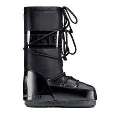Moonboots http://www.vogue.fr/mode/shopping/diaporama/shopping-ski-snow-chic/17029/image/899373#!moonboots-shopping-ski