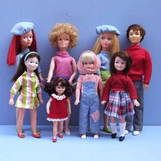 Sindy-group.gif (300×300)  Sindy has been recently licensed to Robert Tonner to make a new version. Apparenmtly Sindy is one of the most popular playdolls ever.  I have seen some originals and they are very light plastic, not nearly as good quality as other vinyl dolls, but Tonner will make a nice one for sure.