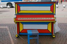 """New York City. Part of """"Play Me, I'm Yours,"""" a public art project. --> #SprayPaintArt #SprayPaint #Piano"""