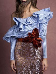One Shoulder Ruffles Blouse Shirt Women Tops 2017 Summer Ladies Casual Blue Striped Shirt Long Sleeve Slash Neck Fashion Blusas Fashion Details, Look Fashion, New Fashion, Womens Fashion, Fashion Design, Holiday Fashion, Denim Fashion, Fashion 2017, Fashion Outfits
