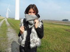 Gezien bij www.giveafashionshit.nl de Black Flower sjaal! Vest, Jackets, Fashion, Down Jackets, Moda, Fashion Styles, Fashion Illustrations, Jacket