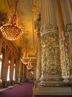 Teatro Colón, Buenos Aires ... chandeliers ...
