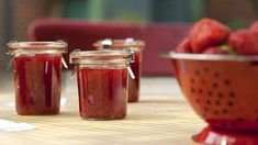 Marmeladengläser | Bild: mauritius-images Jelly Recipes, Eat Smarter, Salsa, Brunch, Low Carb, Jar, Vegan, Mauritius, Breakfast