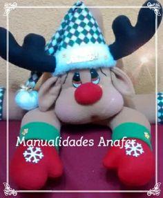 Preciosos muñecos cojines, elaborados con material de buena calidad. Ideal para la decoraciónde sus hogares en épocanavideña. Son cuatro... Christmas Stockings, Christmas Crafts, Christmas Decorations, Christmas Ornaments, Holiday Decor, Reindeer, Snowman, Felt Stocking, Gingerbread