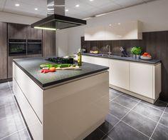 Inspiratie opdoen? Maak je eigen inspiratiebord boordevol met afbeeldingen van keukens, apparatuur en details. Nuva Keukens - Goed bedacht!