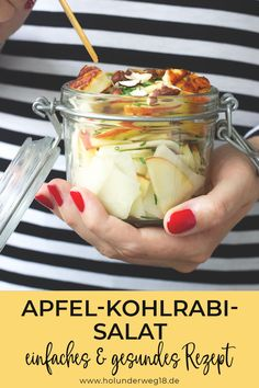 Apfel-Kohlrabi-Salat mit Halloumi - New Site Halloumi, Chou Rave, Crunches, Eating Plans, Food Items, Cooking Time, Natural Vitamins, Smoothie Recipes, Meal Planning