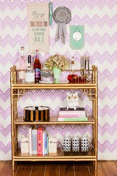 Bar Cart Ideas - There are some cool bar cart ideas which can be used to create a bar cart that suits your space. Having a bar cart offers lots of benefits. This bar cart can be used to turn your empty living room corner into the life of the party. Decor, House Design, Bars For Home, Home Wallpaper, House Interior, Bar Cart Decor, Room Design, Luxury House Designs, Home Decor Inspiration