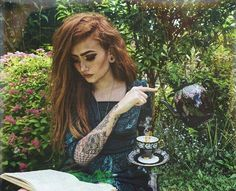 A Wiccan Of talons & tea Harmony Nice Hippe Tattoos, Harmony Nice, Reading Tea Leaves, Season Of The Witch, Witch Aesthetic, Wiccan, Witchcraft, Poses, Illustrations
