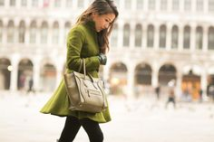 Venice :: Flare coat & Bow details