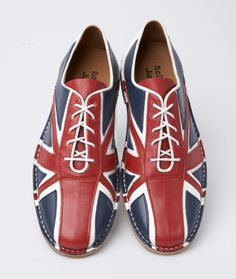 The best way to Dress Bowling, be it along with family, friends or on a meeting, whenever you go felling it's wise to have a portion of time and effort. bowling outfit date winter Bowling Outfit, Bowling Shoes, Mod Shoes, Men's Shoes, Dandy, Vintage Bowling Shirts, Union Jack, British Style, Red White Blue