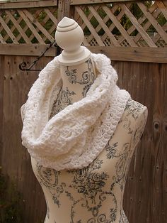 Ravelry: Snow Shell Cowl pattern by Laura Eccleston