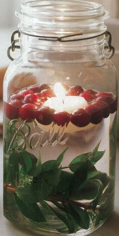 I love this idea of floating candles in mason jars for Christmas time! Mason Jar Candles, Floating Candles, Mason Jar Crafts, Pots Mason, Kilner Jars, Beeswax Candles, Votive Candles, Noel Christmas, Winter Christmas