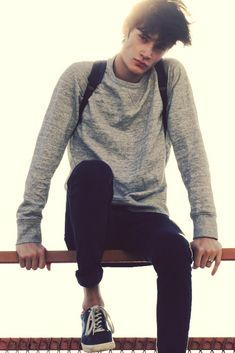 This is a classic modern day indie outfit for a boy so I think I would like to have one of my models wearing something like this. Mode Masculine, Fashion Mode, Mens Fashion, Male Teen Fashion, Guy Fashion, Timur Simakov, Fitz Huxley, Hipster Vintage, Grunge