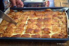 cum se taie burek placinta dobrogeana Sweets Recipes, Cookie Recipes, Best Sweets, Romanian Food, Pastry And Bakery, Good Healthy Recipes, Cheesecake, Diy Food, Baked Goods