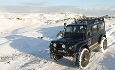 Bigfoot. Land Rover Defender + Snow
