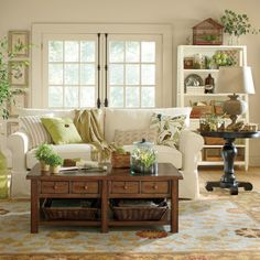 Get inspired by Traditional Living Room Design photo by Room Ideas. Wayfair lets you find the designer products in the photo and get ideas from thousands of other Traditional Living Room Design photos. Style At Home, Living Room Decor Traditional, Traditional Furniture, Living Room Photos, French Country Decorating, My New Room, Home And Living, Living Room Designs, Family Room