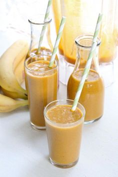 Pumpkin spice smoothies 1 teaspoon cinnamon 1 teaspoon nutmeg 1 teaspoon ginger 1 teaspoon cardamon 1 14 oz can pumpkin puree 4 tablespoons honey 2 frozen bananas cup flax seed meal, optional cups unsweetened soy milk Juice Smoothie, Smoothie Drinks, Healthy Smoothies, Healthy Drinks, Smoothie Recipes, Healthy Recipes, Drink Recipes, Coconut Smoothie, Smoothie Cleanse