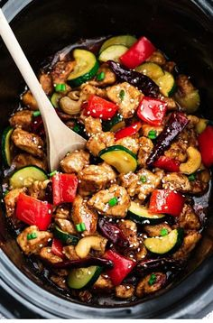 Skinny Slow Cooker Kung Pao Chicken coated in a sweet & spicy sauce with tender vegetables & crunchy cashews. Skip the takeout, this is so much better! (cook chicken in crockpot veggies) Crock Pot Cooking, Cooking Recipes, Healthy Recipes, Crockpot Asian Recipes, Cooking Tips, Keto Recipes, Easy Recipes, Easy Cooking, Healthy Food