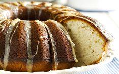 [Recettes du mercredi 👨👩👧👦] Marre du traditionnel gâteau au yaourt ? On a ce qu'il vous faut ! 😉  #Gâteau #recettesgâteaux #goûter #gâteauauyaourt Bread, Blog, Wednesday, Traditional, Food, Recipes, Brot, Blogging, Baking