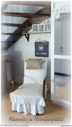 """""""Teijuliini"""":n nojatuolinurkkaus kutsuu laiskottelemaan.. #styleroom #inspiroivakoti #maalaisromanttinen #nojatuoli"""