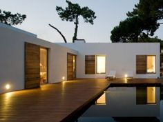 house in banzão II' by FVArquitectos located in pinhal do banzão, colares, portugal images © marta valsassina
