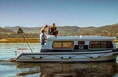 Become the captain of your boat during a memorable holiday on the Knysna Lagoon, along with the Garden Route in South Africa. These unique Knysna Houseboats are well-equipped and exceed the South African Maritime Safety Authority operational requirements. South Africa Honeymoon, Houseboat Rentals, Gumtree South Africa, Knysna, New Africa, Adventure Activities, Weekends Away, Africa Travel, Weekend Getaways