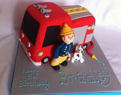Fire truck and fireman with rescue dog birthday cake. Monster Truck Room, Monster Truck Birthday, Dog Birthday, Birthday Cakes, Birthday Ideas, Cool Trucks, Fire Trucks, Semi Truck Cakes, Fire Engine Cake