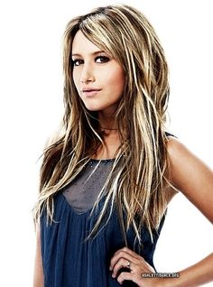 Decided I want this hairstyle! Anytime I want a change I always look at Ashley Tisdale's hair .. just a little more brown and a little less blonde :)