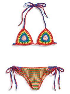 Emmenée sur les podiums par Clare Waight Keller chez Chloé ou par Tommy Hilfiger, la tendance rasta fait son come-back pour l'été 2016. Un revival aux couleurs vives, from Jamaica, pour faire vibrer les filles des îles et des villes.